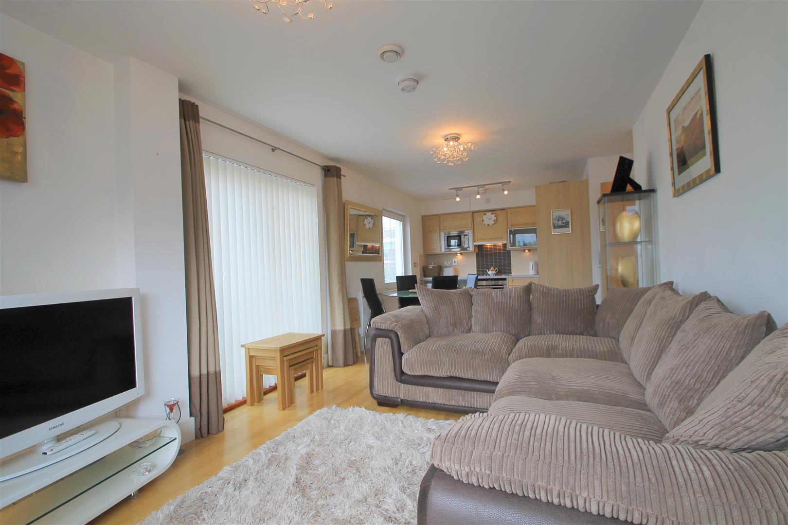 2 Bedrooms Apartment Flat for sale in Harbour Point, Stuart Street, Cardiff Bay